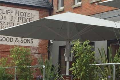 Retractable Roof Systems   Awnings & Canopies