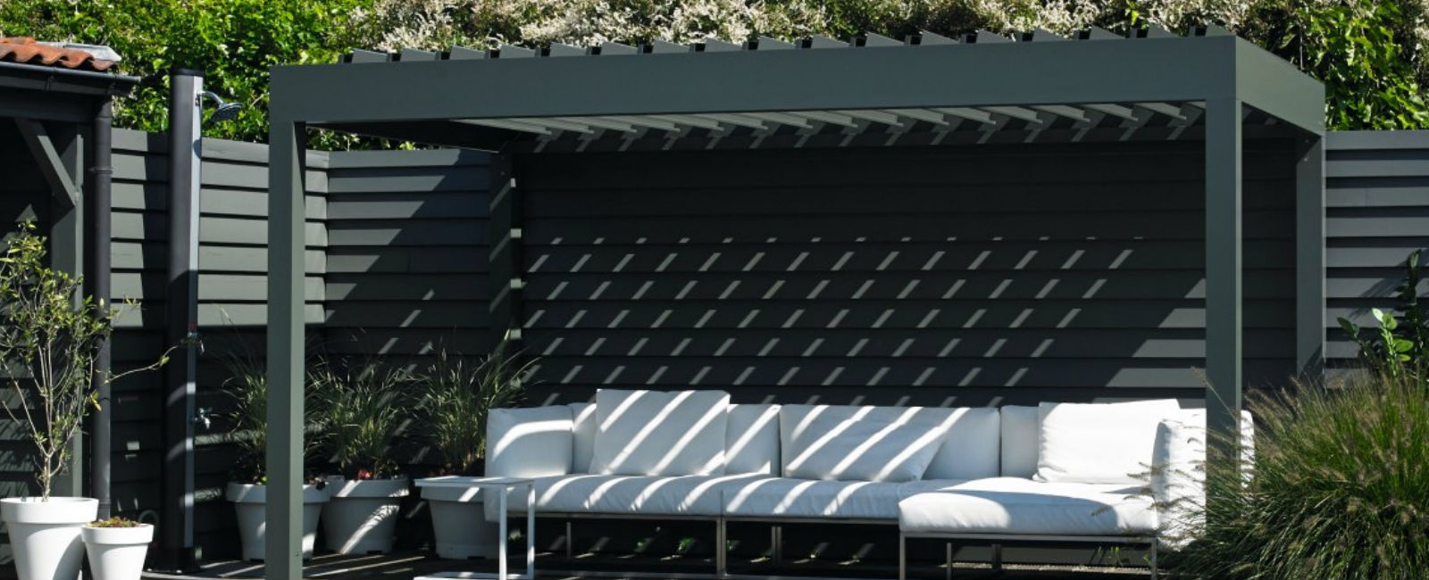Retractable Roof Systems Uk Commercial Awnings Giant Umbrellas Awnings Canopies